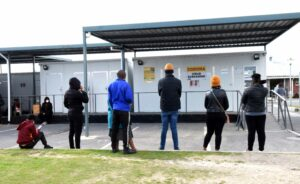People queuing at the Site B CHC to get vaccinated. By 30 August, the Western Cape vaccination dashboard showed that of the 363859 people older than 18 and eligible for vaccination in Khayelitsha, only 17.5%, or 63690, have registered to be vaccinated. PHOTO: Nasief Manie/Spotlight